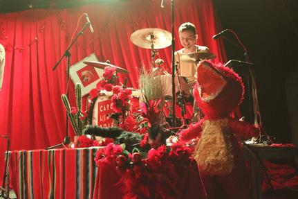Caroline Rose drum